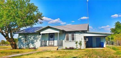 335 N LILLIAN ST, Bartlett, TX 76511 - Photo 1