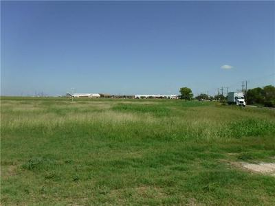 13708 COUNTY LINE RD, Elgin, TX 78621 - Photo 2