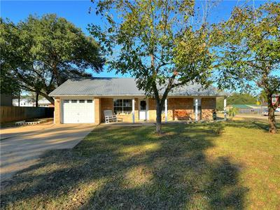 500 7TH AVE, Smithville, TX 78957 - Photo 1