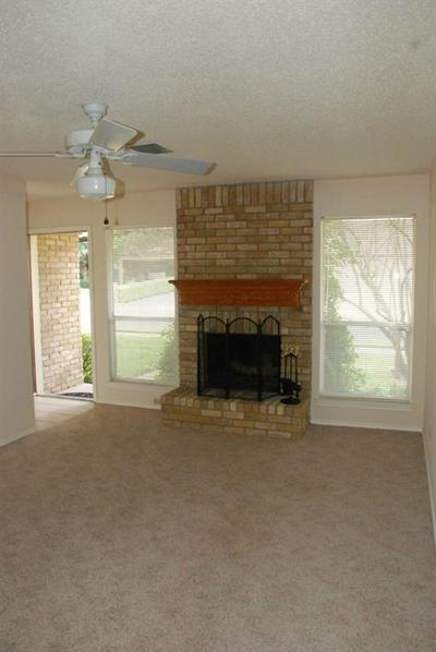 8229 SUMMER SIDE DR, Austin, TX 78759 - Photo 2
