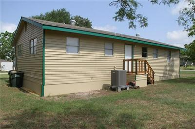 508 S TITUS ST, GIDDINGS, TX 78942 - Photo 2