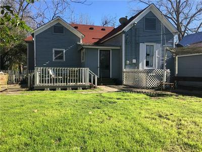 405 SHORT ST, SMITHVILLE, TX 78957 - Photo 2