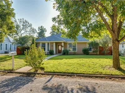 702 BURLESON ST, Smithville, TX 78957 - Photo 1