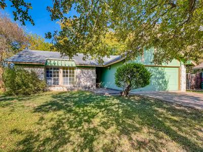 704 NEWCASTLE DR, Austin, TX 78745 - Photo 2