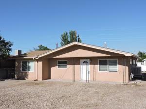 920 ALLEN CT, Socorro, NM 87801 - Photo 2