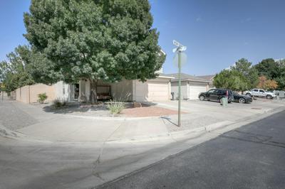 8119 VISTA SERENA LN SW, Albuquerque, NM 87121 - Photo 2