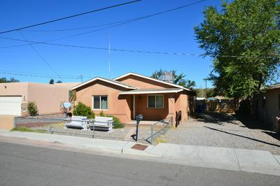 2401 DORA AVE NW, Albuquerque, NM 87104 - Photo 2