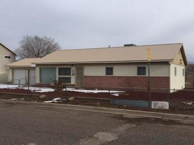 712 PEEK ST, GRANTS, NM 87020 - Photo 2