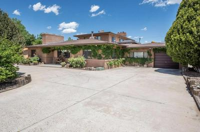 717 FAIRWAY RD NW, Albuquerque, NM 87107 - Photo 1
