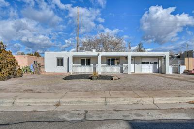 2723 VISTA LARGA AVE NE, Albuquerque, NM 87106 - Photo 2