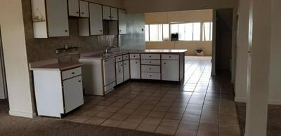 307 TRUMAN AVE, GRANTS, NM 87020 - Photo 2