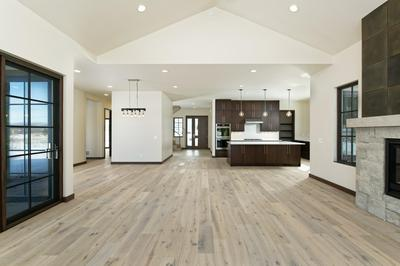 427 CRYSTAL CANYON DR, Carbondale, CO 81623 - Photo 2