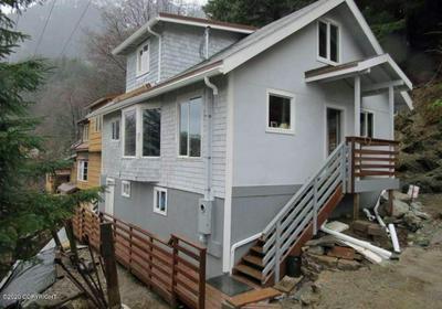 213 HARRIS ST, Juneau, AK 99801 - Photo 2