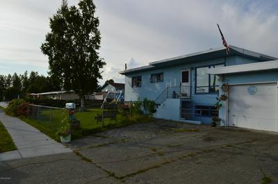621 VINE AVE, Anchorage, AK 99501 - Photo 2