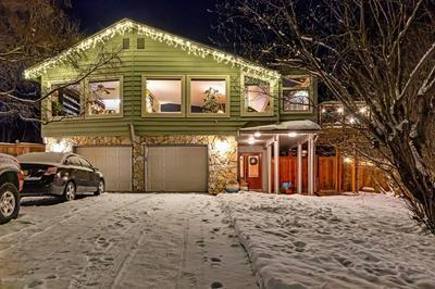 8041 OPAL CIR, Anchorage, AK 99502 - Photo 2