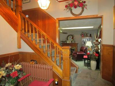 427 PENNSYLVANIA AVE, Cresson, PA 16630 - Photo 2
