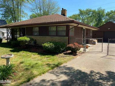 960 LEE ST, Algonac, MI 48001 - Photo 2