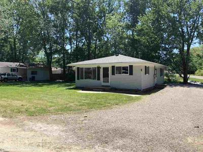 391 NORTH AVE, Algonac, MI 48001 - Photo 1