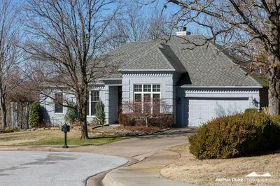 194 W 29TH CT, FAYETTEVILLE, AR 72701 - Photo 2