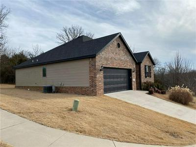 108 S WOODSPRINGS DR, Fayetteville, AR 72701 - Photo 2