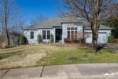 194 W 29TH CT, FAYETTEVILLE, AR 72701 - Photo 1
