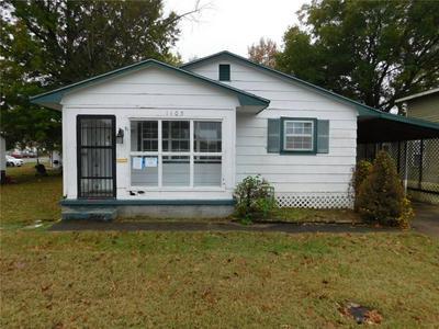 1103 W HUNTSVILLE AVE, Springdale, AR 72764 - Photo 1