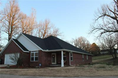 1476 N TRADITION AVE, Fayetteville, AR 72704 - Photo 1