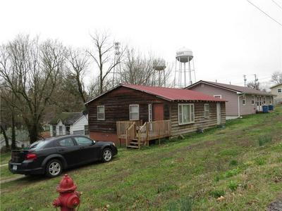 710 MOUNTAIN ST, Cassville, MO 65625 - Photo 2