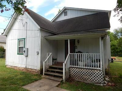 1007 N SPRINGFIELD ST, Berryville, AR 72616 - Photo 2