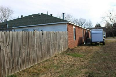 1317 N BOXLEY AVE, Fayetteville, AR 72704 - Photo 2