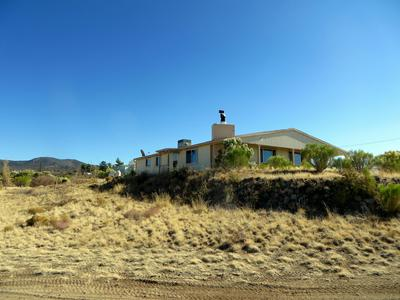 8165 W CLARIDGE LN, Kirkland, AZ 86332 - Photo 2