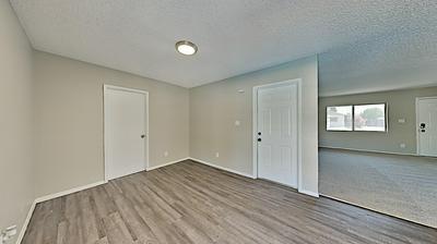 5004 W BEVERLY LN, Glendale, AZ 85306 - Photo 2