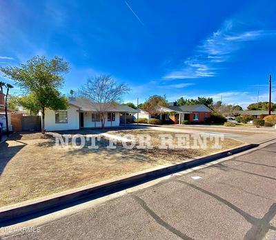 2807 E EARLL DR, Phoenix, AZ 85016 - Photo 2