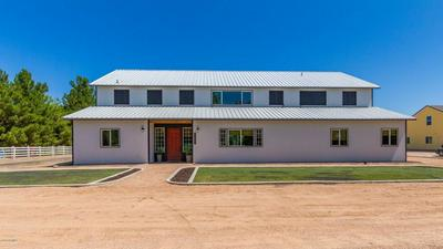 3917 E BROOKS FARM RD, GILBERT, AZ 85298 - Photo 1