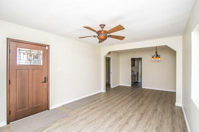 322 E WHITTON AVE, Phoenix, AZ 85012 - Photo 2