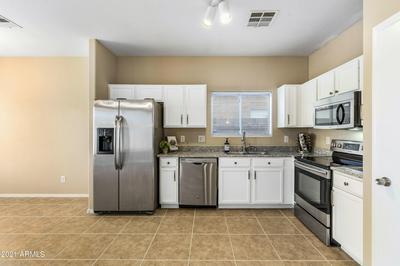 7210 W SHEILA LN, Phoenix, AZ 85033 - Photo 1