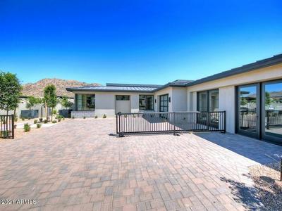 5617 E HUNTRESS DR, Paradise Valley, AZ 85253 - Photo 2