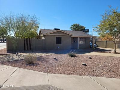 2443 E EARLL DR, Phoenix, AZ 85016 - Photo 1