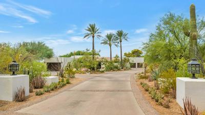 5700 N 33RD PL, Paradise Valley, AZ 85253 - Photo 1