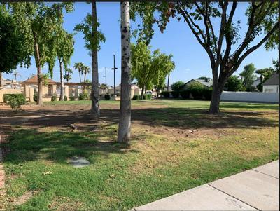 8760 W GREENBRIAN DR, Peoria, AZ 85382 - Photo 2