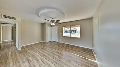 8208 W GLENROSA AVE, Phoenix, AZ 85033 - Photo 2