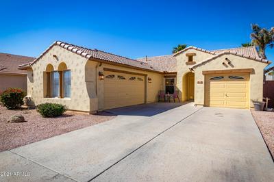 3124 S MARTINGALE RD, Gilbert, AZ 85295 - Photo 2