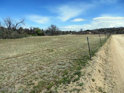 17954 S PINON LN, Peeples Valley, AZ 86332 - Photo 2