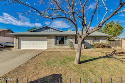 2902 W REDFIELD RD, Phoenix, AZ 85053 - Photo 1