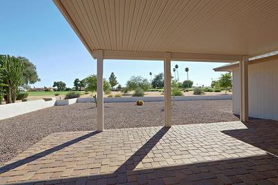 10524 W PRAIRIE HILLS CIR, Sun City, AZ 85351 - Photo 2