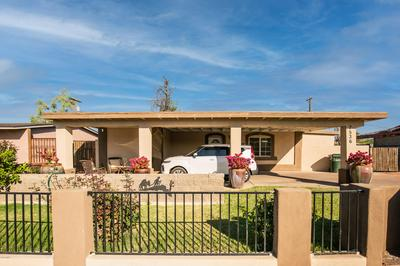 7536 W MITCHELL DR, Phoenix, AZ 85033 - Photo 1