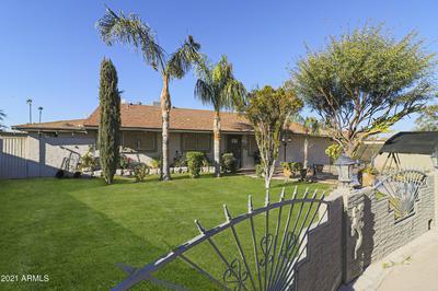 15216 N LA PAZ CT, Phoenix, AZ 85053 - Photo 2