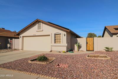 3712 W WALTANN LN, Phoenix, AZ 85053 - Photo 2