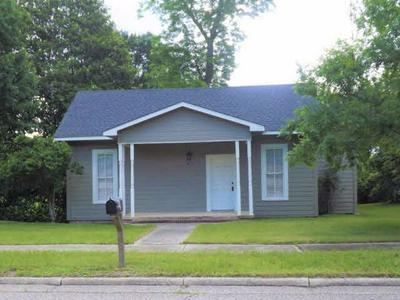412 EVERGREEN AVE, Brewton, AL 36426 - Photo 1