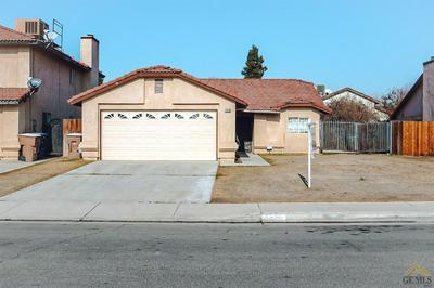 4520 SOUTHERN BREEZE DR, Bakersfield, CA 93313 - Photo 2